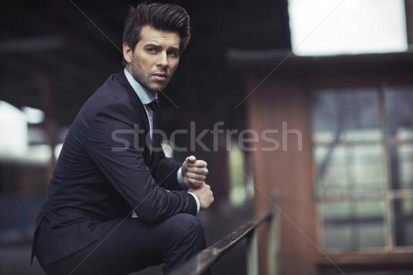 Groot shot zakenman treinstation man uitvoerende Stockfoto © majdansky