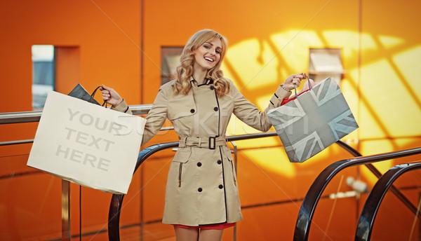 Aantrekkelijk blond dame poseren blonde vrouw Stockfoto © majdansky