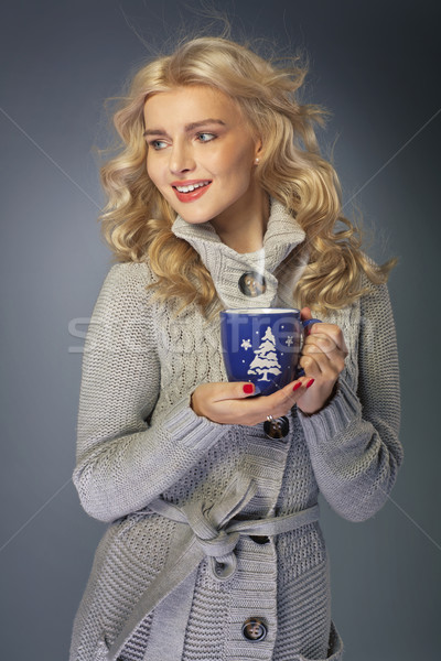 Blond dame drinken warme chocolademelk vrouw meisje Stockfoto © majdansky