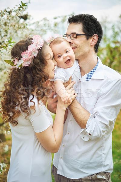 Portret vrolijk familie boomgaard zomer vrouw Stockfoto © majdansky