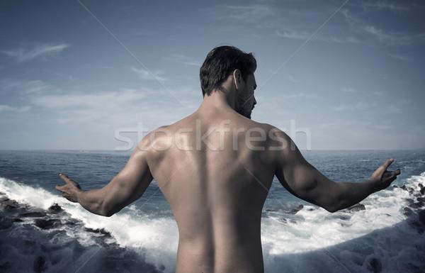 Portrait musculaire homme posant océan Guy Photo stock © majdansky
