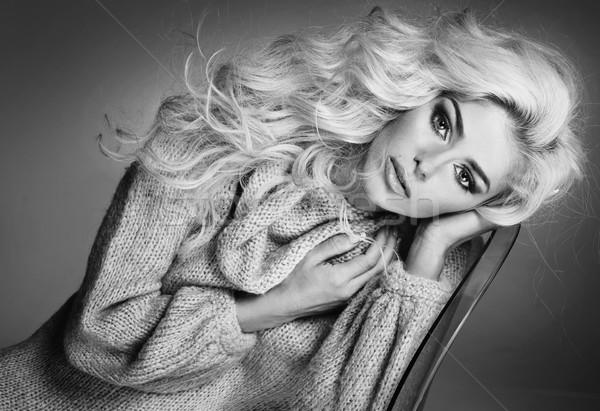 Portret blond aantrekkelijk dame aantrekkelijke vrouw model Stockfoto © majdansky