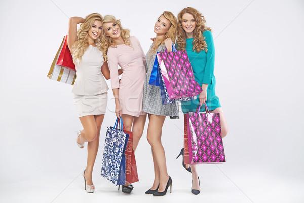 Quatro loiro mulheres compras venda senhoras Foto stock © majdansky