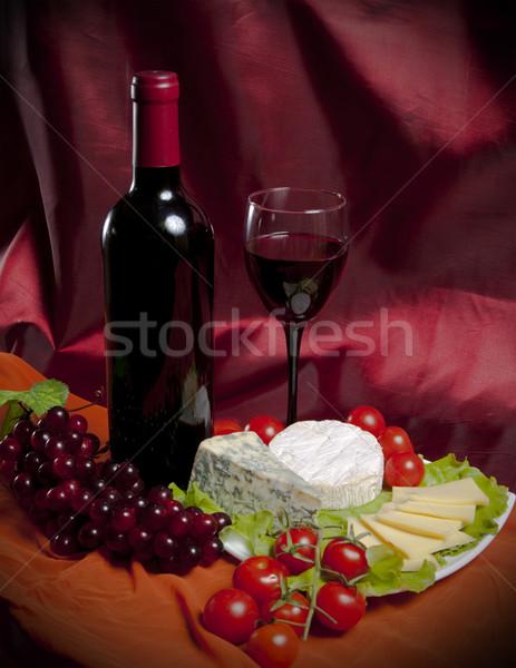 Wijnfles foto fles wijn druiven kaas Stockfoto © maknt