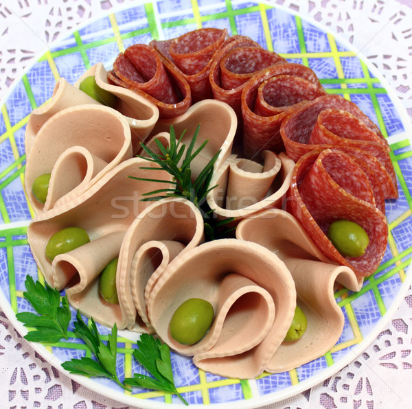 приготовленный колбаса салями дополнительно копченый оливками Сток-фото © Makse