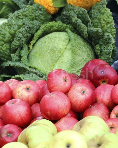 Kırmızı elma olgun organik yaprak Stok fotoğraf © Makse