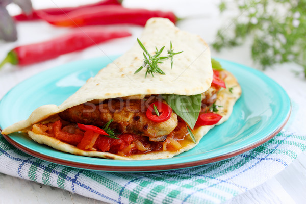 Stockfoto: Pita · brood · gevuld · chili · vlees · saus
