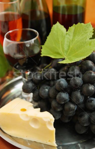 Blauw druiven stilleven wijnfles wijnglas wijn Stockfoto © mallivan