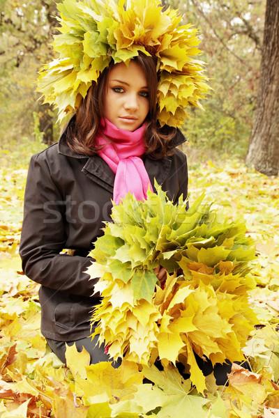 Stockfoto: Vrouw · krans · mooie · vrouw · bladeren · liefde · vrouwen