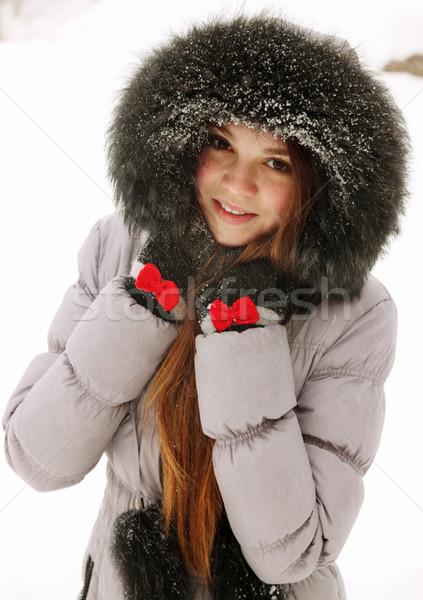 Jonge vrouw bont ogen natuur haren sneeuw Stockfoto © mallivan