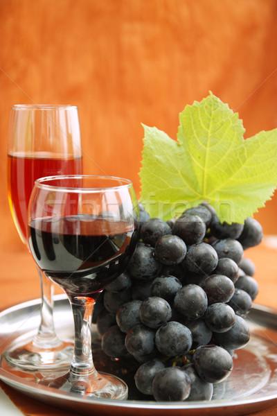 Wijnglas druiven stilleven wijnfles wijn glas Stockfoto © mallivan