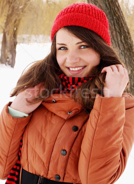 Zdjęcia stock: Kobieta · czerwony · cap · portret · kobiet · oczy