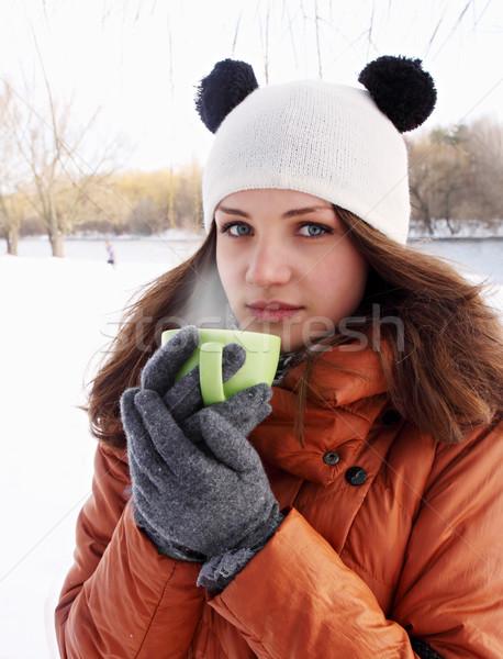 Vrouw beker koffie jonge vrouw warme drank voedsel Stockfoto © mallivan