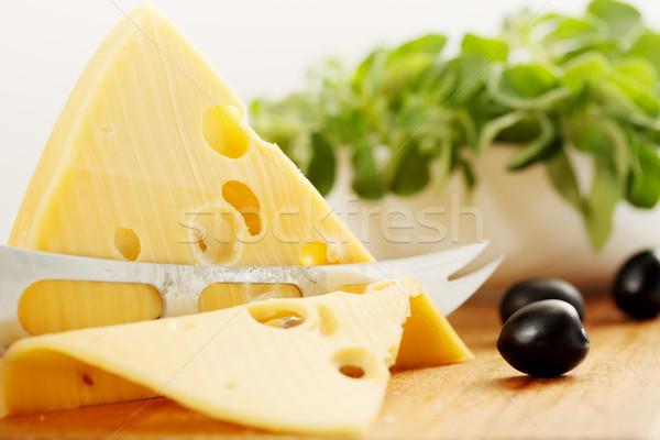Gesneden kaas groot stuk zwarte olijven voedsel Stockfoto © mallivan