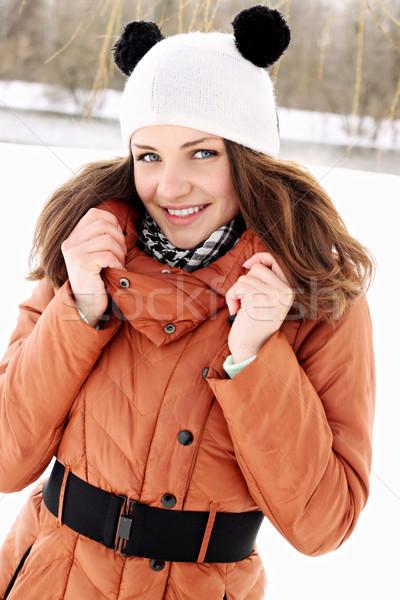 Vrouw hoed mooie vrouw oren glimlach vrouwen Stockfoto © mallivan