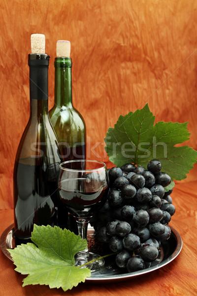 Stilleven wijnfles wijnglas druiven wijn glas Stockfoto © mallivan