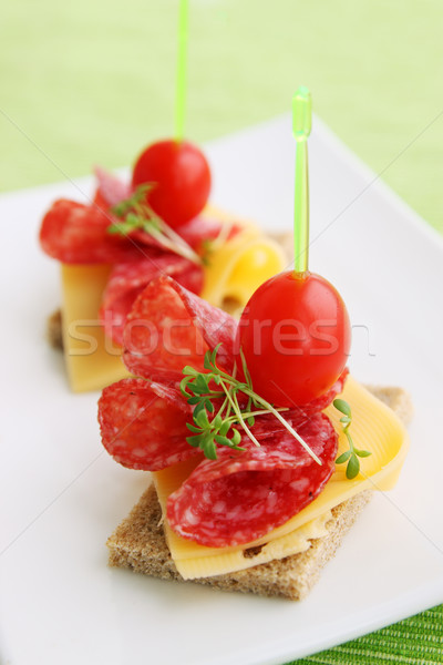 Kaas salami tomaten sla voedsel partij Stockfoto © mallivan