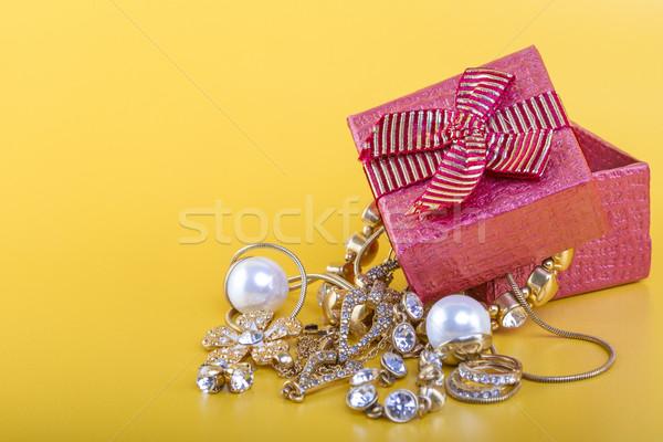 Jewlery gift box Stock photo © manaemedia