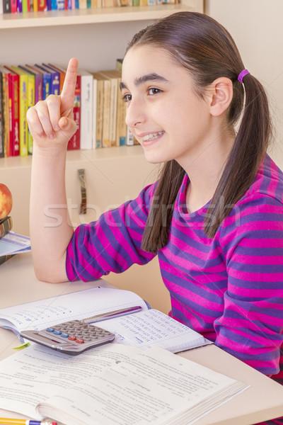 Schoolmeisje denken boek gelukkig kind pen Stockfoto © manaemedia