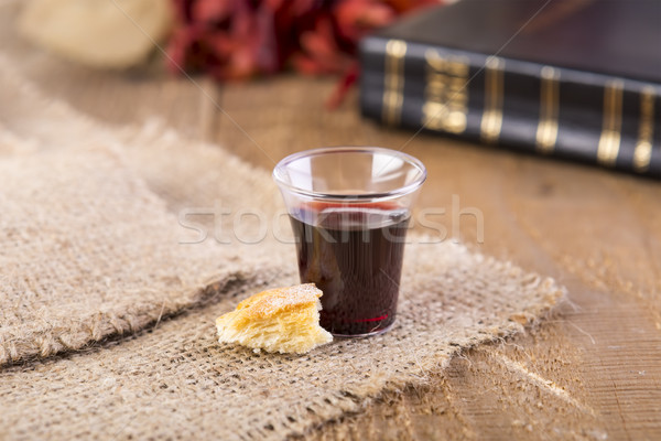 Communie beker glas rode wijn brood Stockfoto © manaemedia