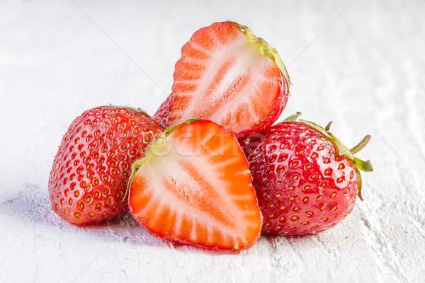 Aardbeien witte houten hout natuur vruchten Stockfoto © manaemedia