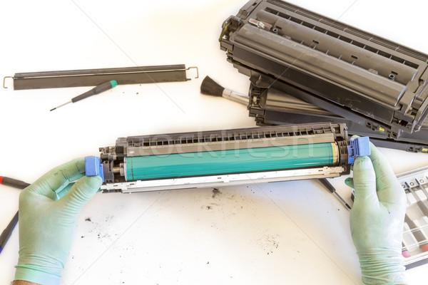 Eller tamir kartuş işçi lazer yazıcı Stok fotoğraf © manaemedia