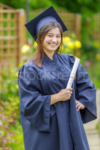 Stockfoto: Jonge · vrouw · glimlachend · camera · diploma