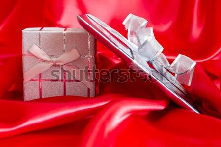 Digital tableta Navidad presente rojo Internet Foto stock © manaemedia