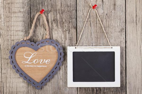 Vuota legno lavagna segno a forma di cuore frame Foto d'archivio © manaemedia