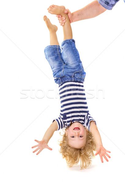 Weinig jongen ondersteboven vader hand Stockfoto © manaemedia