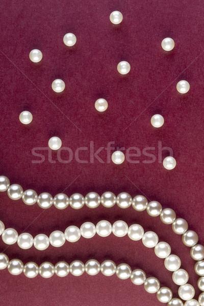 Prata branco pérolas colar escuro vermelho Foto stock © manaemedia