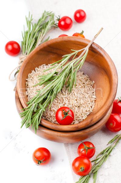 新鮮な 精進料理 トマト コメ ローズマリー 木製 ストックフォト © manera