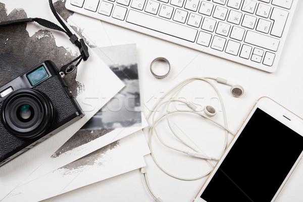 コンピュータのキーボード スマートフォン レトロな カム カメラ 白 ストックフォト © manera