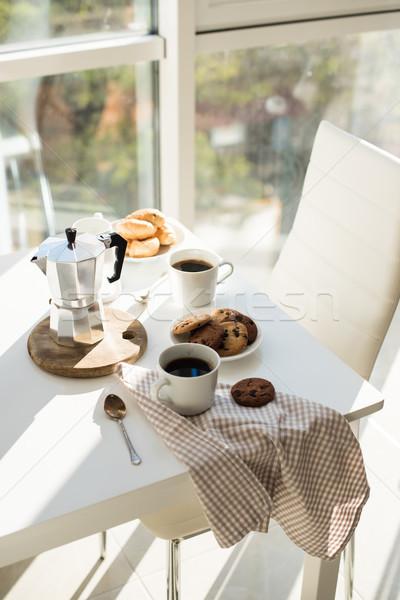Kora reggel francia otthon reggeli kávé sütik Stock fotó © manera
