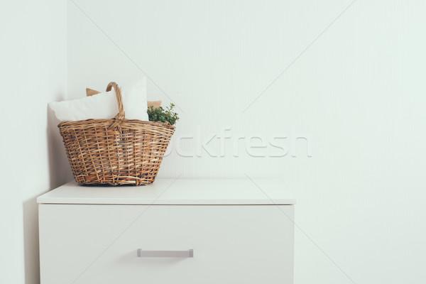 Maison intérieur osier panier oreiller Photo stock © manera