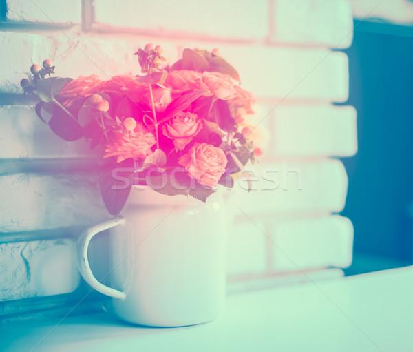 Buket pembe bej güller bağbozumu emaye Stok fotoğraf © manera