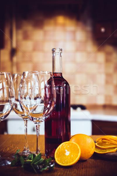 Сток-фото: вино · бутылок · очки · фрукты · таблице