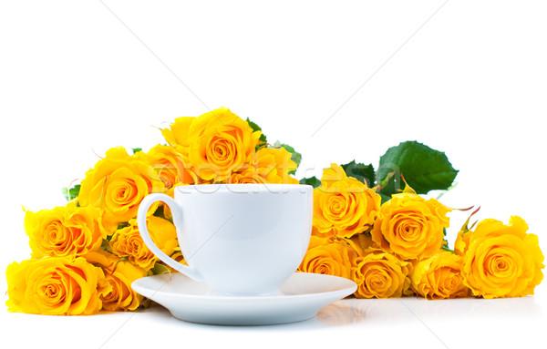Rosas branco xícara de café grande buquê amarelo Foto stock © manera