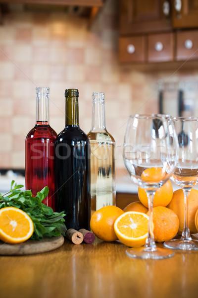 три бутылок вино белый закрывается красный Сток-фото © manera