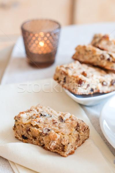 Házi készítésű kekszek diók mazsola fehér tányér Stock fotó © manera