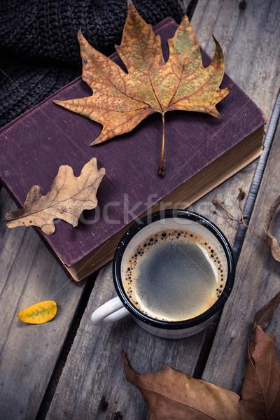 Vieux livre tricoté chandail tasse de café vintage Photo stock © manera
