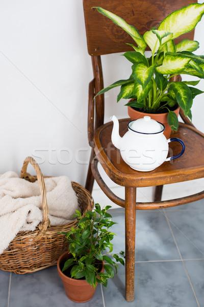 Yaz balkon bağbozumu emaye çay Stok fotoğraf © manera