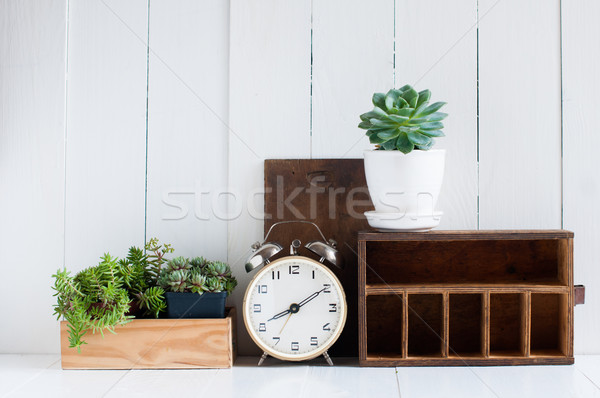 Klasszikus lakberendezés öreg fából készült dobozok ébresztőóra Stock fotó © manera