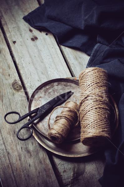 Jahrgang Still-Leben alten Schere dunkel Tuch Stock foto © manera