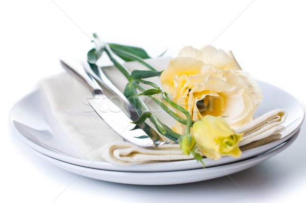 Platte Besteck gelbe Blume weiß stieg Abendessen Stock foto © manera