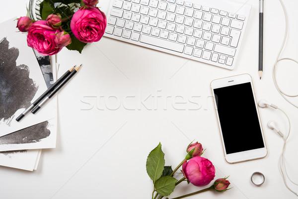 Smartphone roze bloemen witte moderne Stockfoto © manera