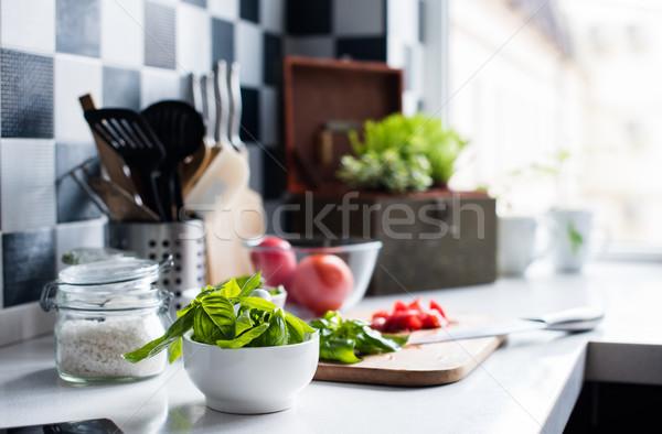 Ingredientes cozinhar fresco manjericão picado tomates Foto stock © manera