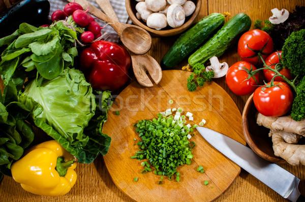 Maison préparation d'aliments fraîches printemps légumes table de cuisine Photo stock © manera