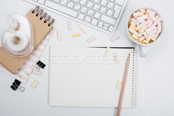 Oficina mesa café blanco femenino Foto stock © manera