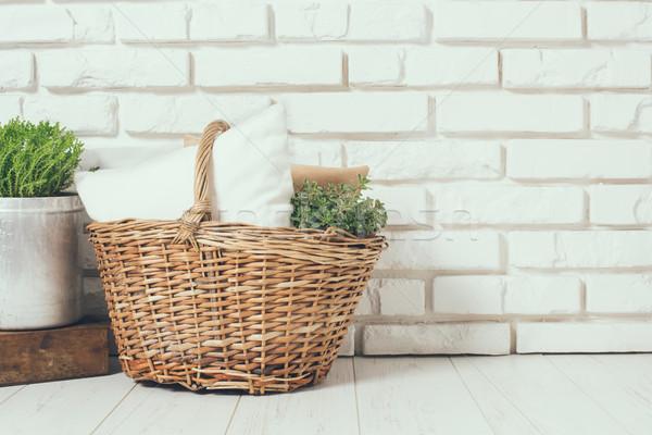 Rusztikus otthon fonott kosár párna zöld Stock fotó © manera